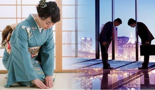 Cúi chào trong văn hóa giao tiếp người Nhật Bản