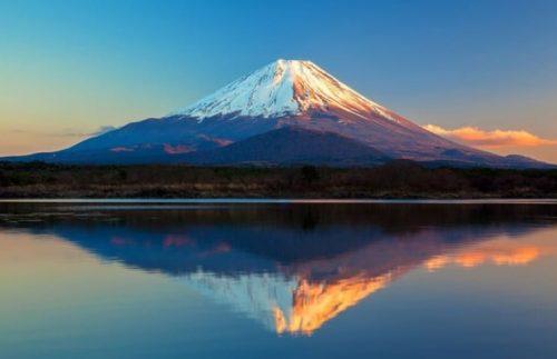 Núi Phú Sĩ là địa điểm du lịch Nhật Bản quanh năm